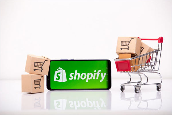 https://avanzarsolution.com/wp-content/uploads/2020/08/Shopify-Ecommerce-Development.jpg